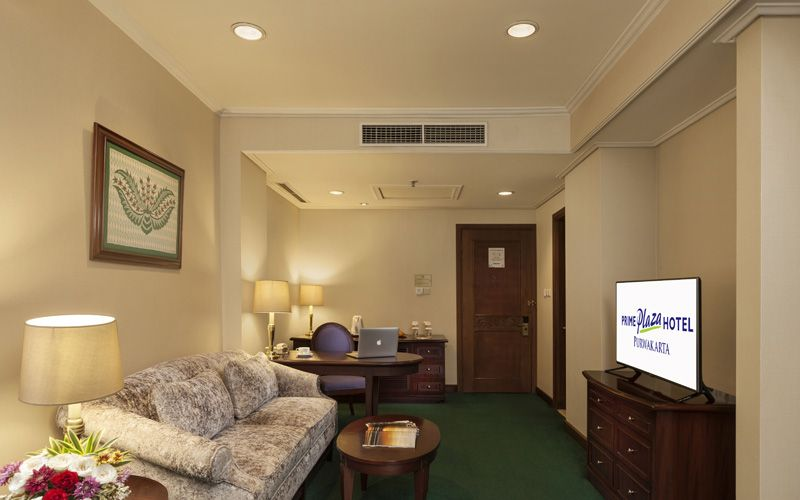 Business Balcony Suite