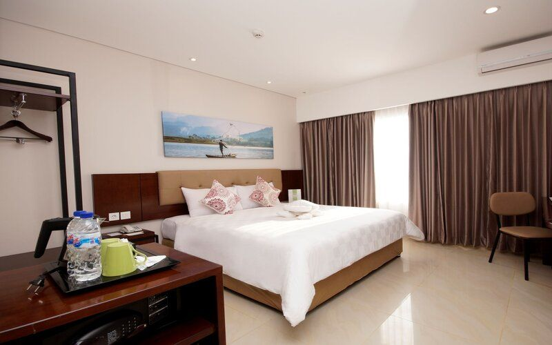 Superior King Bed (Room Breakfast)